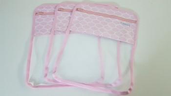 Conjunto de saquinhos organizadores para bolsa (3 peças) - Colmeia Rosa
